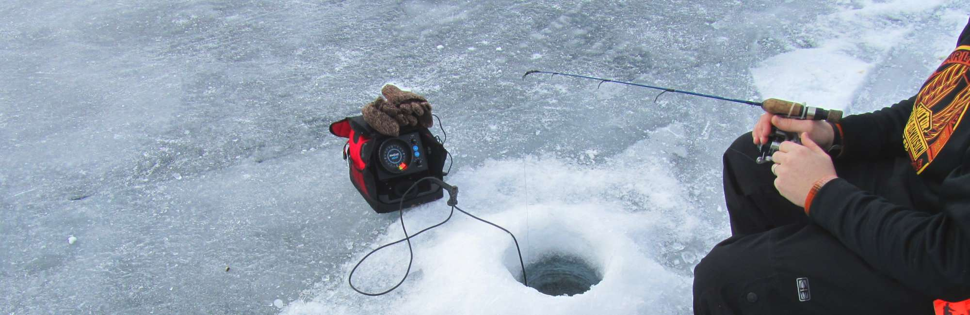 Slide-Winter-Ice-Fishing